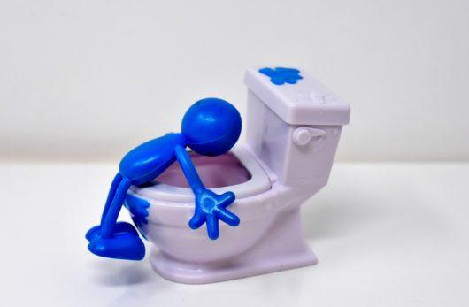 トイレ 夢 汚い の